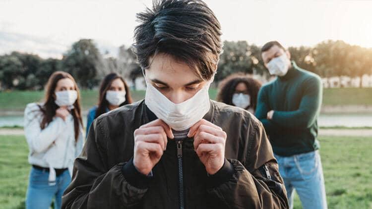 Gençler de corona virüs